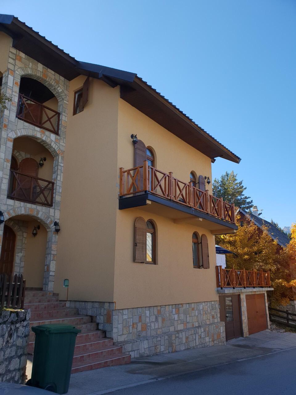 balkon en ingang