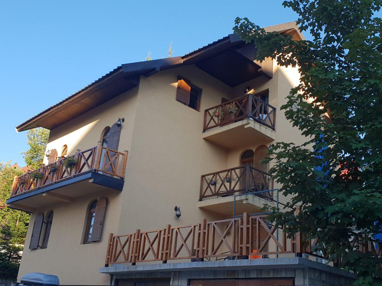 balkon vanuit woonkamer